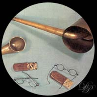 Glasses and ear trumpets of Beethoven.
